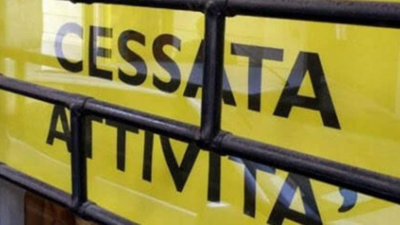 attività commerciali chiuse (web source)