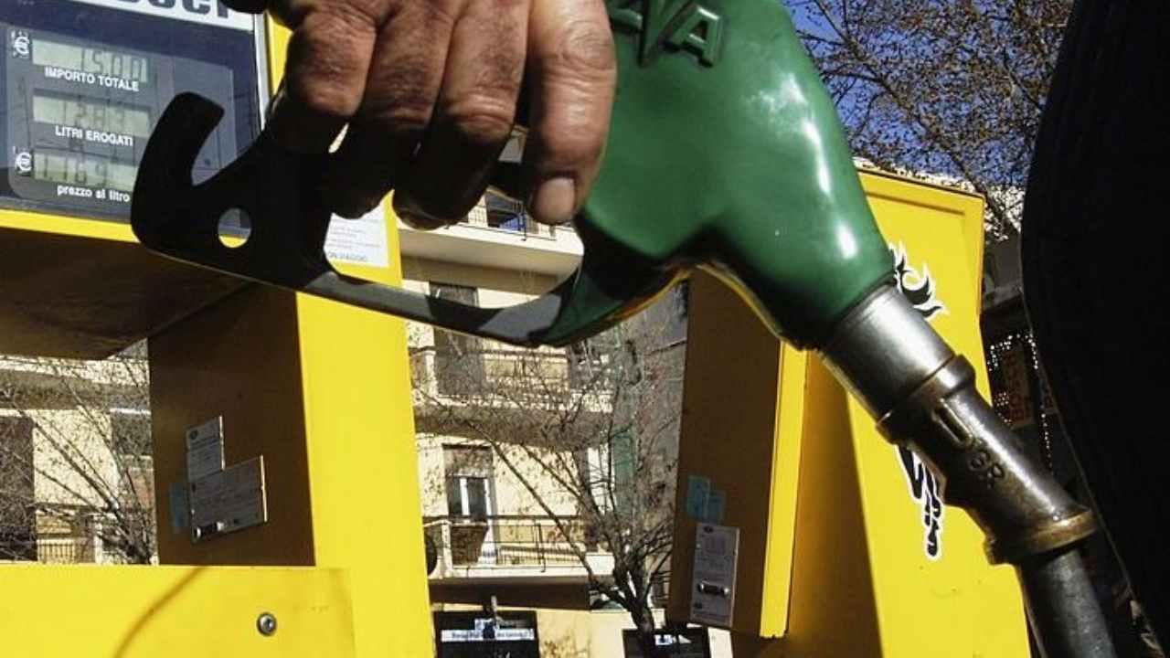 prezzo benzina (web source)